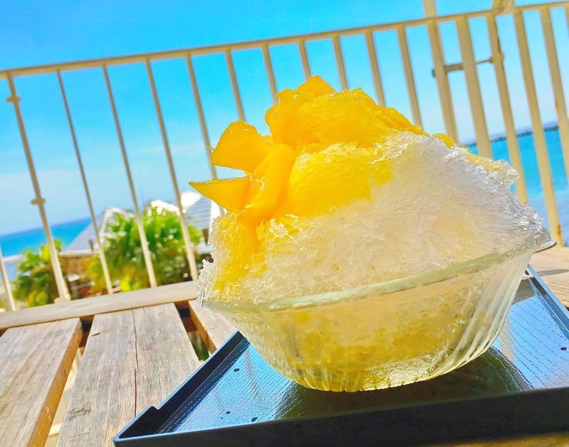 瀬長茶屋のパイナップルかき氷