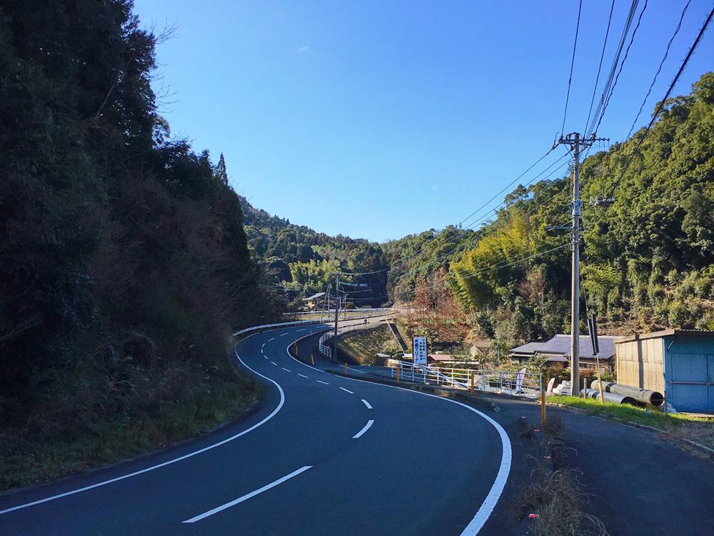 津奈木駅から湯の児への山道