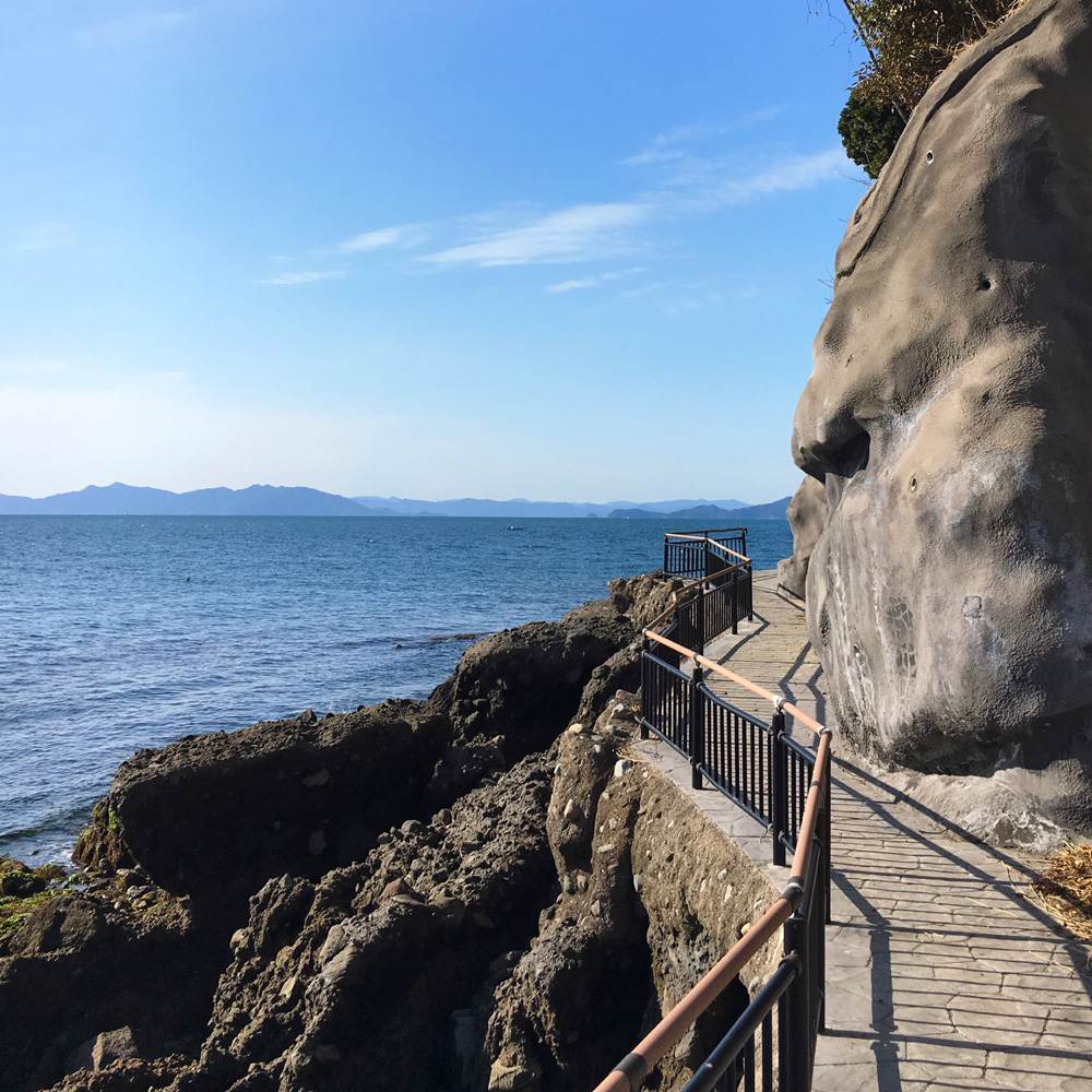 湯の児島の遊歩道