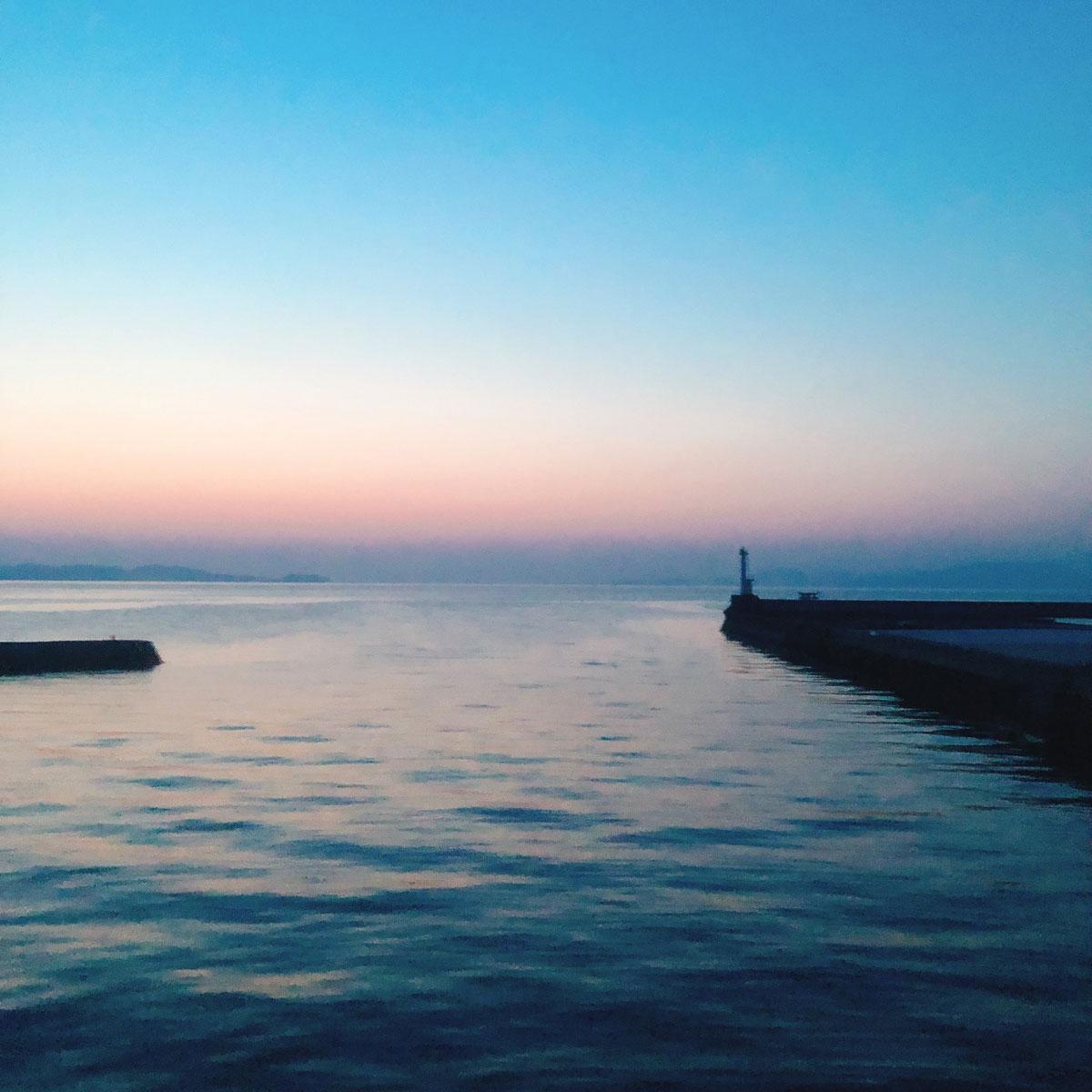 天草夜の海
