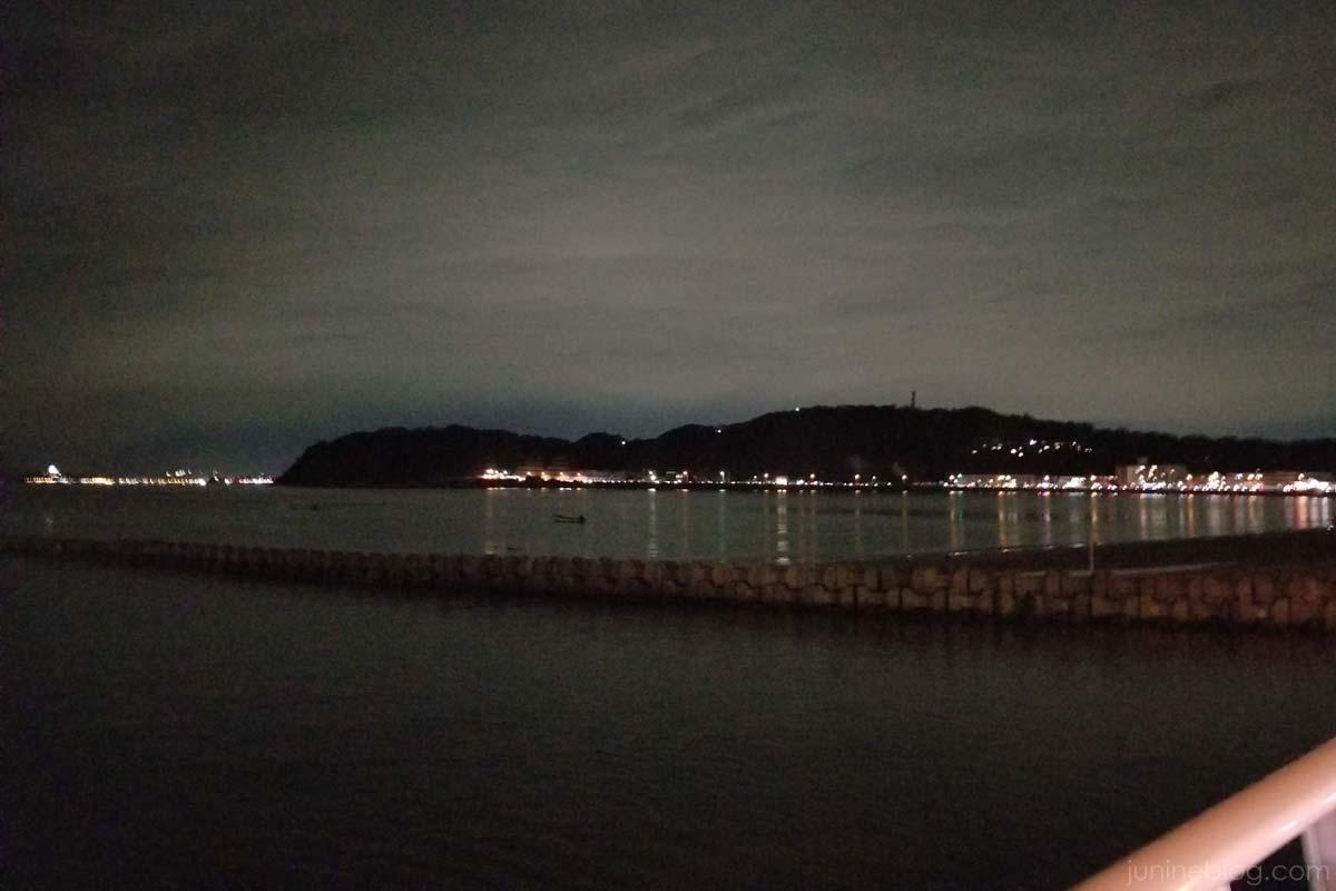 夜の逗子海岸
