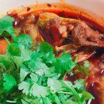 自宅で火鍋! 中華街で買った火鍋の素を使ってラム肉の四川風水煮を作る