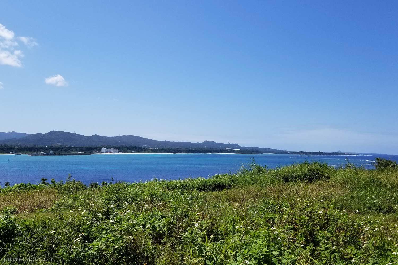 古宇利島からウッパマビーチを眺める