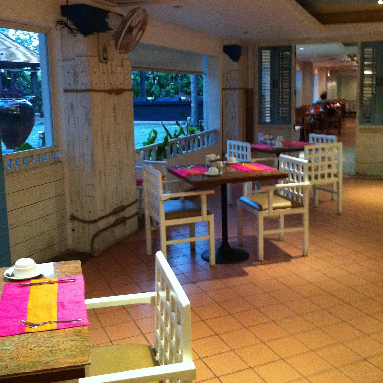 パトンビーチホテルの朝食会場