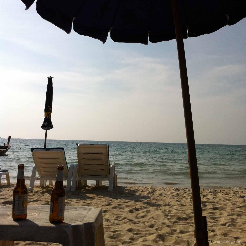 パトンビーチでシンハービール